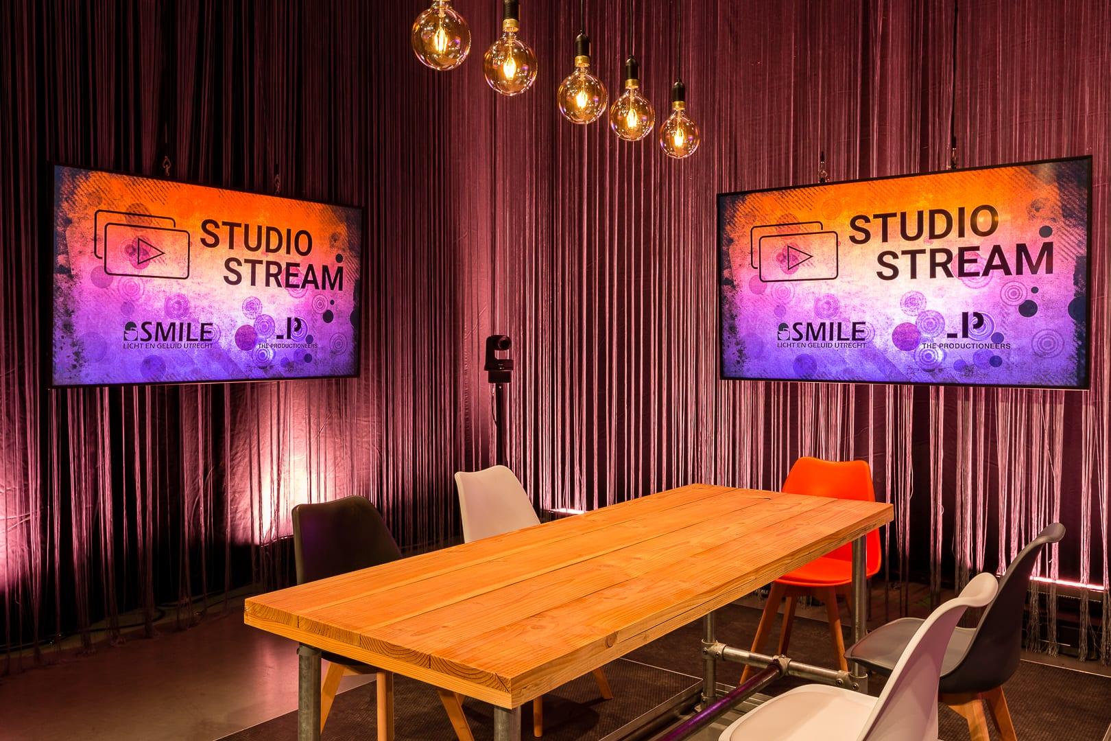 Studio_Stream_set_3