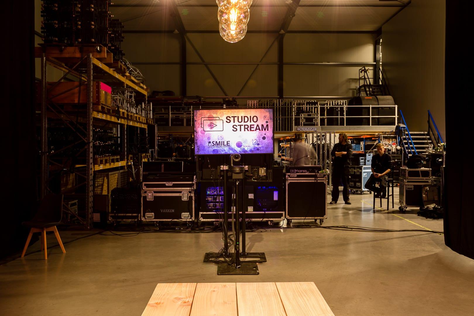 Studio_Stream_Backstage_1